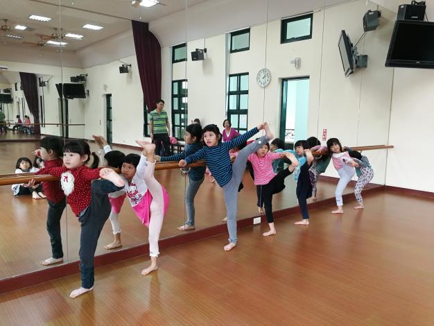 1-3月幼兒民族舞蹈體驗營..
