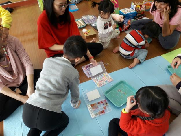 1-3月幼兒美語繪本與瑜珈