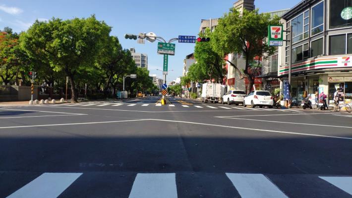 長榮路-大學路路口