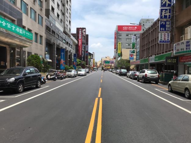 新營區中山路(火車站圓環至交通台)完成-平整直線路面