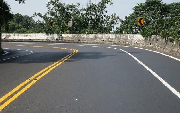 東山區南99線道路完成路平轉彎處