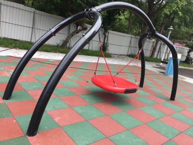 水萍塭公園整建工程-區內兒童遊戲區新型鞦韆