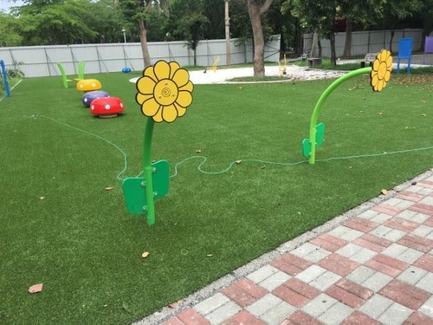 水萍塭公園整建工程-區內兒童遊戲區花朵型裝置
