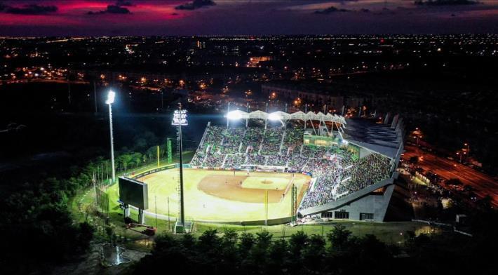 臺南亞太國際棒球訓練中心-少棒球場夜間空拍全景