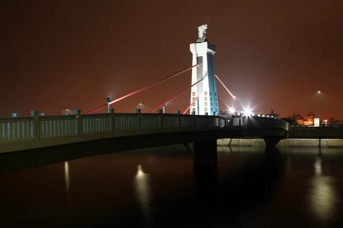跨鹿耳門溪橋樑工程-夜間美景