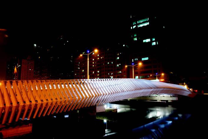 承天橋改建工程-夜晚燈光點點