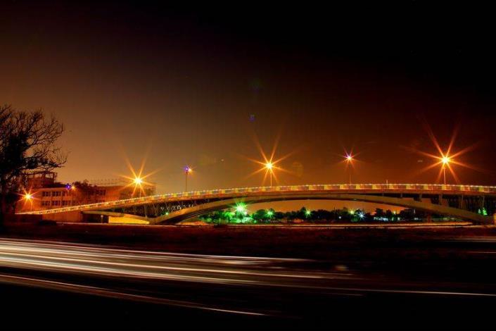歷史水景公園景觀步道橋工程-夜間長曝效果美不勝收
