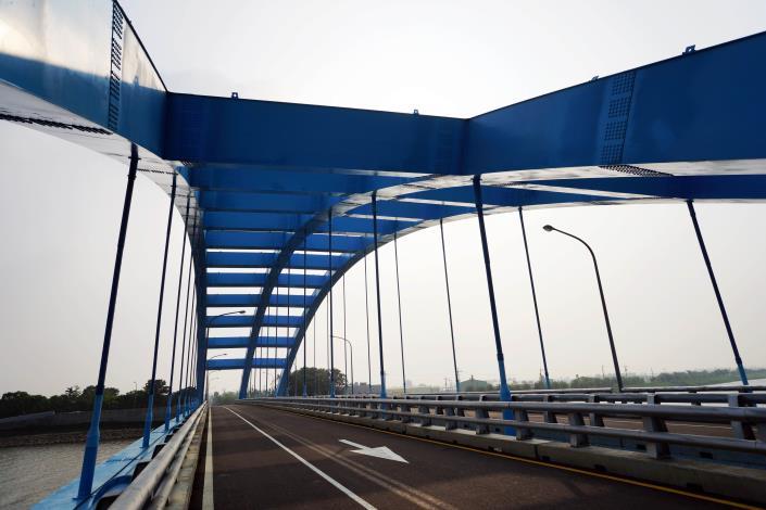 華宗橋-鋼構氣勢磅礡