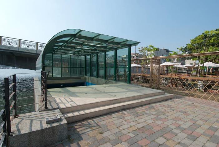 安億橋下河底景觀步道-運河博物館地下走道入口