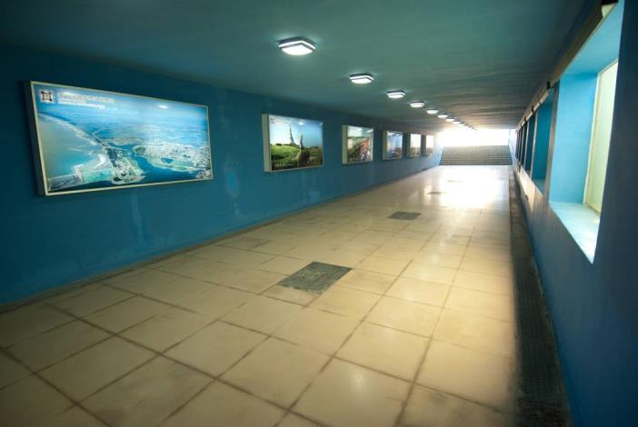 安億橋下河底景觀步道-運河博物館地下走道內說明看版