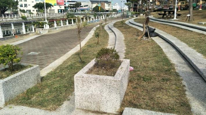 瀨口公園花台