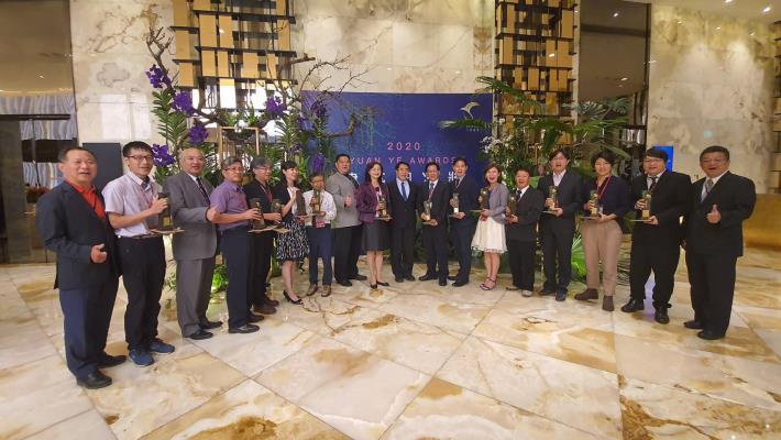 2020建築園冶獎頒獎盛典-南市府得獎代表出席授獎