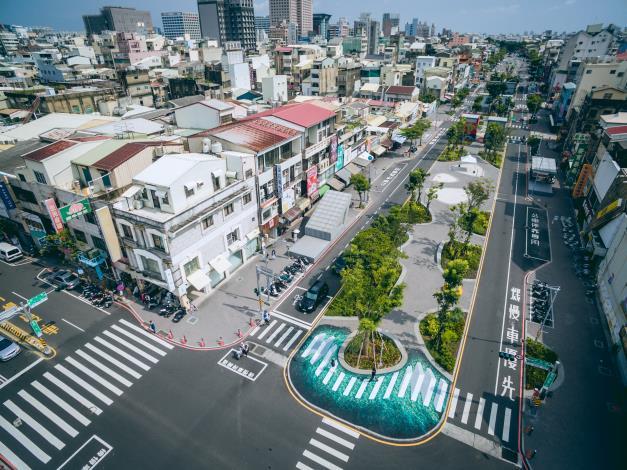 圖3-海安路景觀工程兼具綠化、行人步行、藝術造街及商店購物。