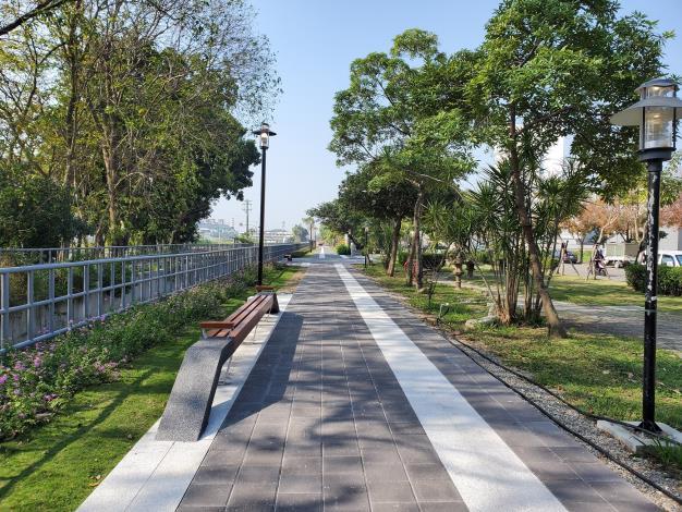 照片三、鄉野綠廊計畫暨嘉南大圳綠廊建完工