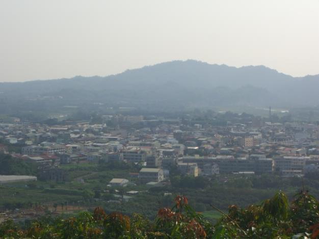 余清芒紀念碑俯視玉井市區