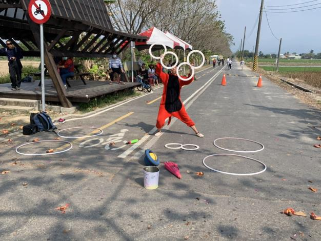 街頭藝人表演