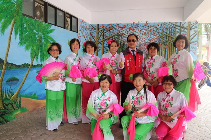 社區發展協會帶來優美的舞蹈表演