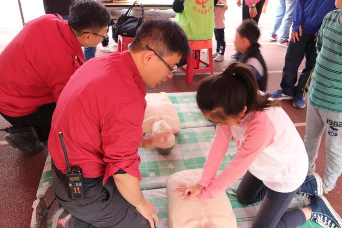 小學生也可以報名學習CPR