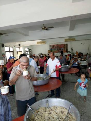 里民聯歡活動:享用炒米粉