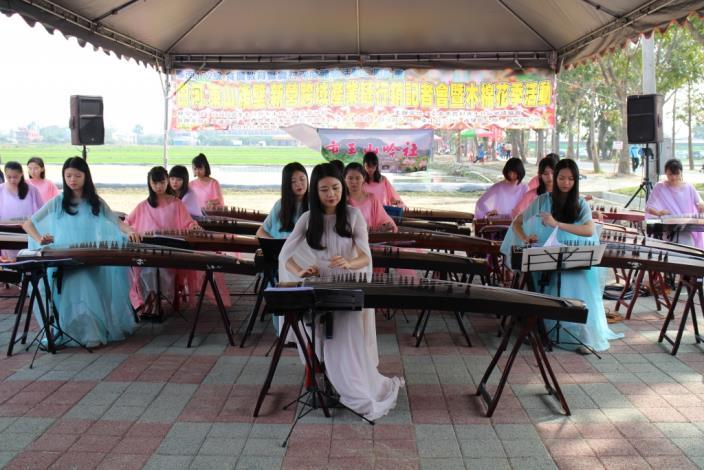 木棉花節記者會照片-古箏表演
