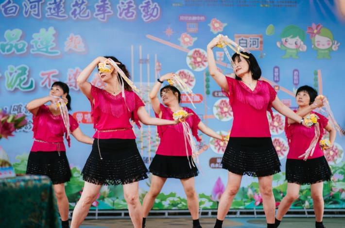 社區媽媽舞蹈表演