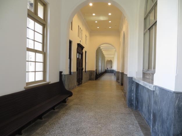 臺南地院內長廊