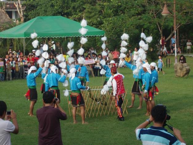 卑南族的「猴祭」儀式表演