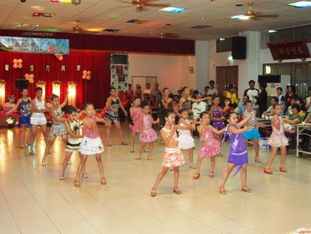 「拉丁舞及國標舞」舞蹈表演情形