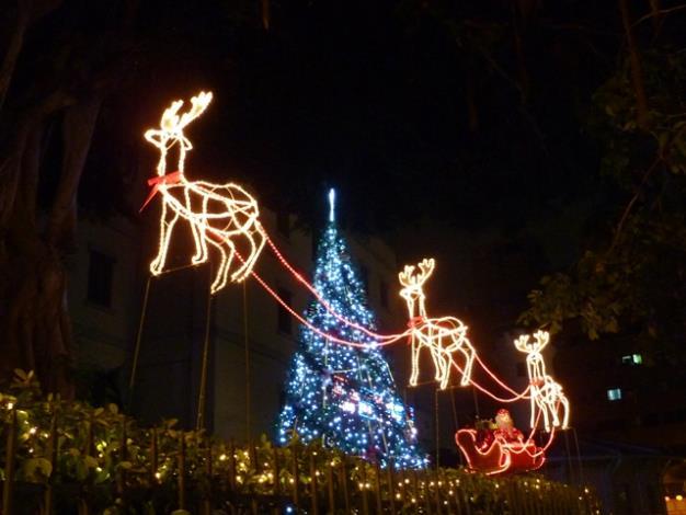 南區氣象中心旁聖誕造景燈飾