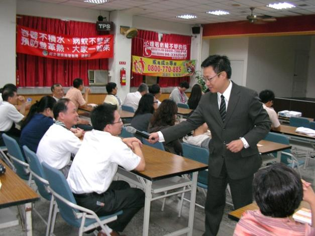 廖講師運用互動、角色扮演等教學方式進行研習訓練