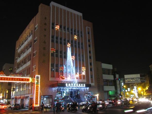 區公所聖誕點燈燈飾一景