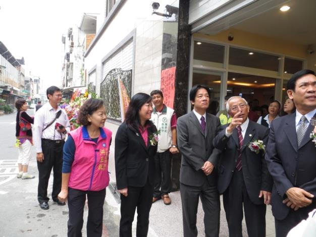 賴市長參觀澄輝日照中心