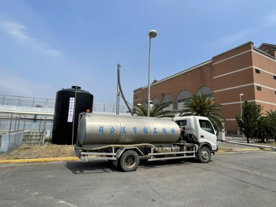 台南市政府水利局配合洗車業缺水危機提供再生水(共2張)-1
