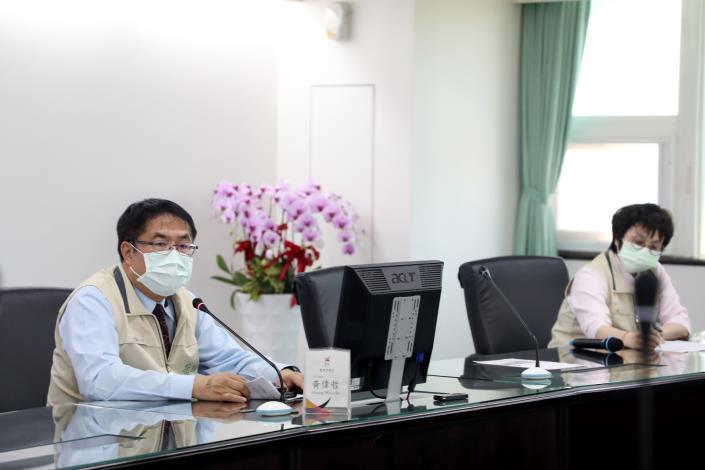 台南市緊急召開COVID-19疫情會議 黃偉哲要求各局處落實防疫作為(共7張)-3
