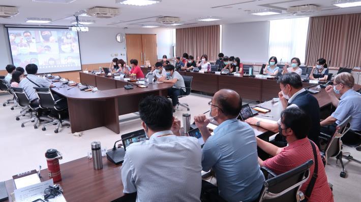 防疫超前部署 臺南市教育局辦理異地及居家辦公視訊會議回流演練(共2張)-1