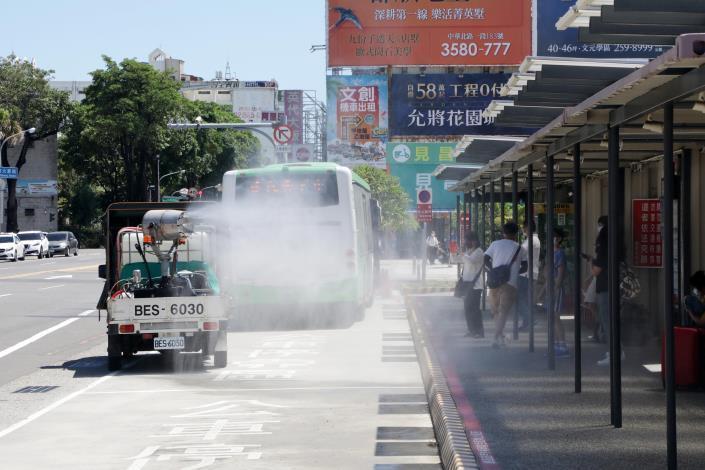 黃偉哲宣佈台南進入準三級防疫狀態 台南要用最嚴謹態度做最萬全準備(共7張)-6