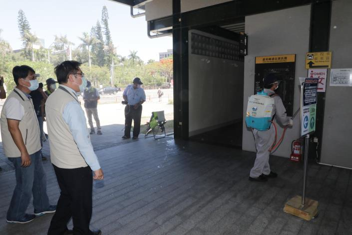 黃偉哲宣佈台南進入準三級防疫狀態 台南要用最嚴謹態度做最萬全準備(共7張)-2