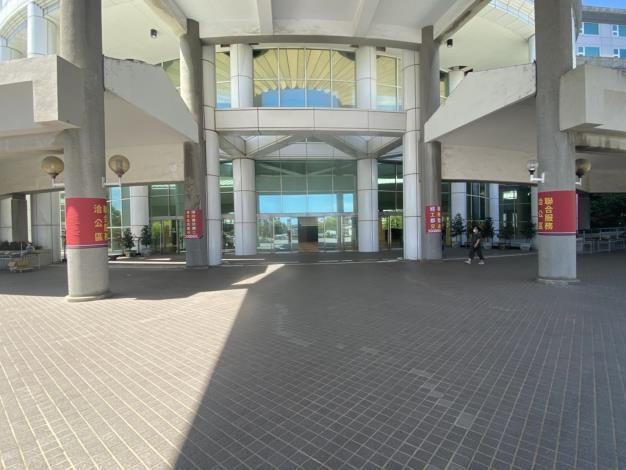 自即日起,市政中心洽公不入內,並設置外送專區(共5張)-4