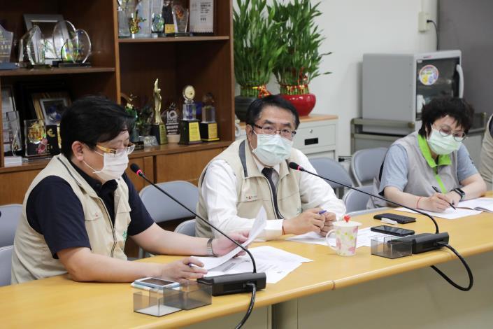 黃偉哲召開專責醫院線上會議打造最強防禦 全力防堵疫情進入社區(共2張)-1