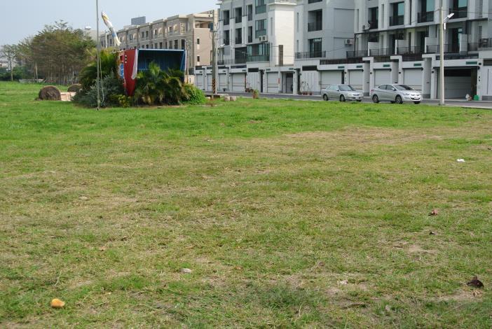 建國路與進學路交叉口旁(南側空地)