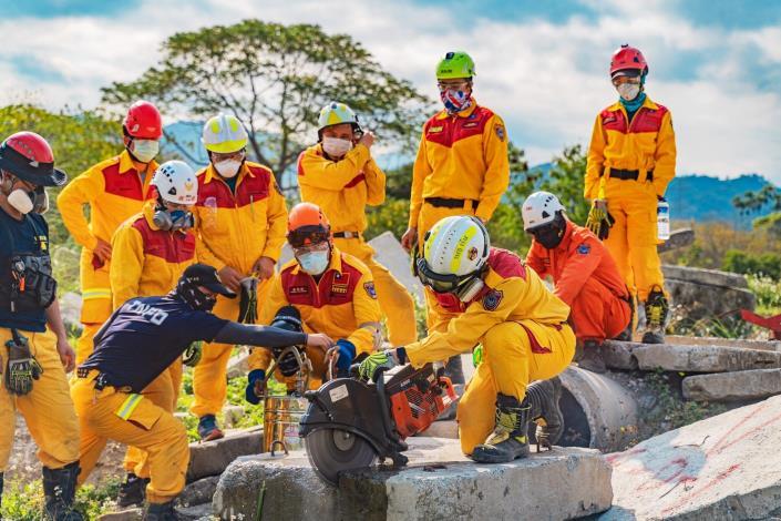 特搜不簡單連續28小時模擬救援訓練照片4