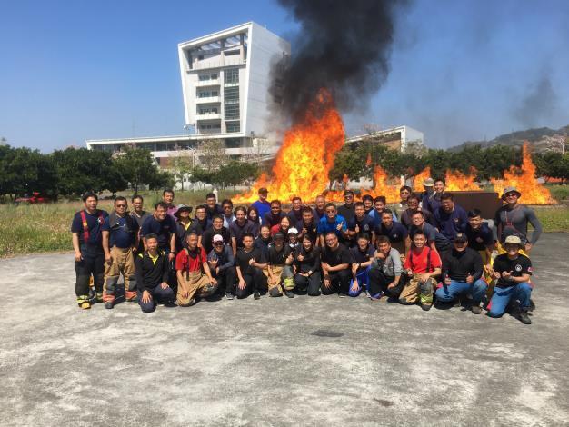 強化火災搶救能力,普及火搶基礎證照,受訓人員大合照