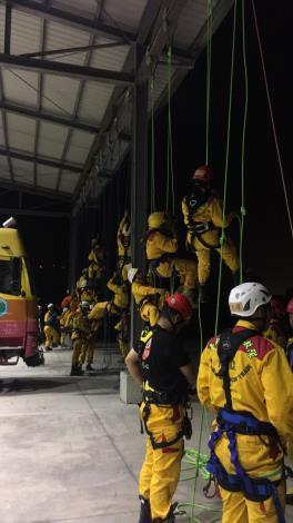 特搜訓練不馬虎,夜間訓練夠精實-繩索救助2
