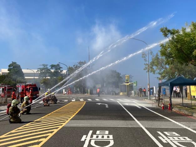 1090930「2020國慶焰火在臺南」市府總動員 救災演練好逼真-射水