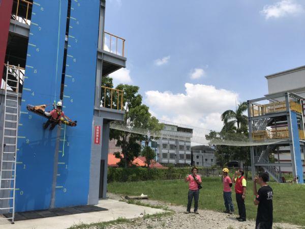 1090714持續強化繩索裝備、專研繩索救援技術-局長視察-2(右2)