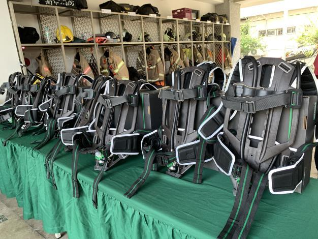 1090929台南市北門獅子會捐贈臺南市政府消防局空氣呼吸器背架及穿戴式攝影機儀式-空氣呼吸器背架
