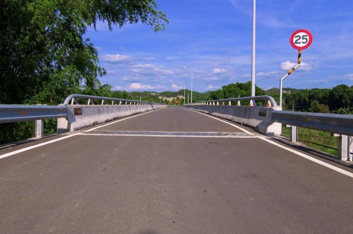 Pingyang and Yufeng Bridges