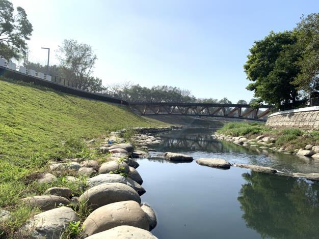 竹溪自然工法生態河道(拋石護岸、跌水、月見橋)