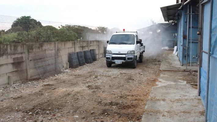 圖一、黃市長指示動保處協助加強禽場及周邊道路消毒工作,降低環境中病原量