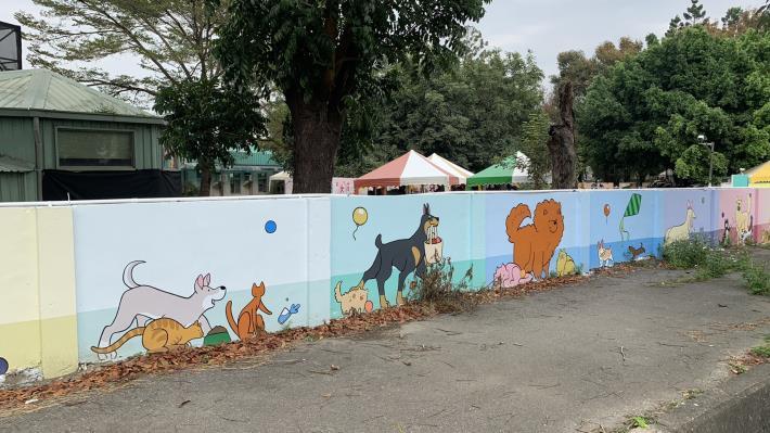 圖四、動物之家彩繪牆面活潑吸睛。